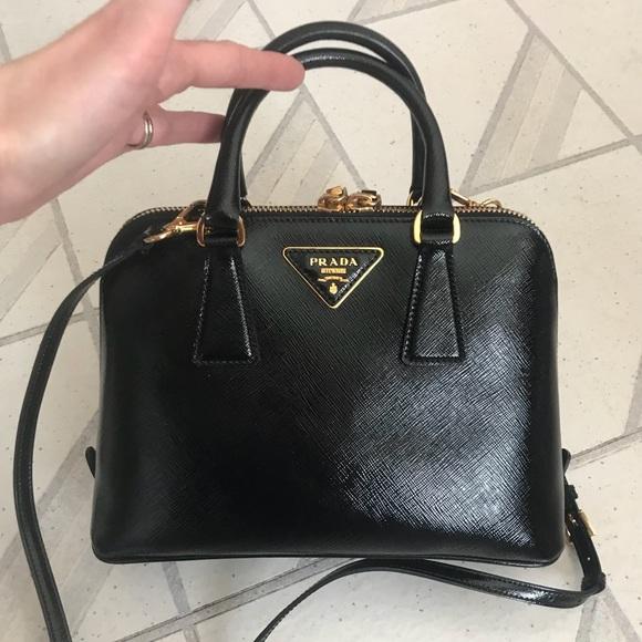 ad2626730cc8 PRADA handbag Saffiano Patent Leather Promenade. M_5a53e1a33b16085fac01e8e9